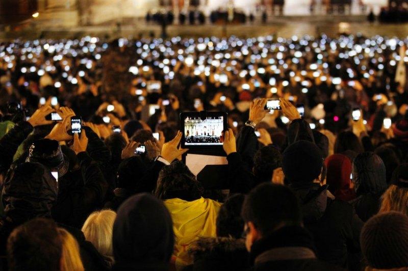 Petersplatz 2013 - Smartphones & Tablets sind omnipräsent.